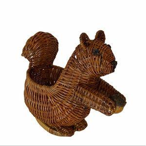 Wicker Squirrel plant holder 🌿🌱🐿